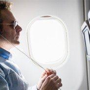 L'adaptateur pour écouteurs pour son voyage en avion