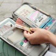 Les organisateurs de voyage et protège passeport